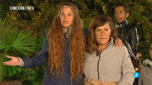 Miriam y María José, sorprendidas por el castigo. (TELECINCO)