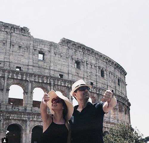 Risto Mejide y Laura Escanes, en Roma. Foto: IG @loraescanes