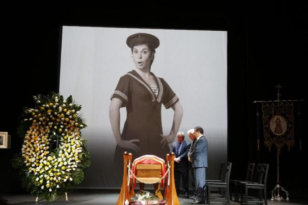 Capilla Ardiente de Lina Morgan en el Teatro de la Latina, el jueves pasado. Foto: Gtres
