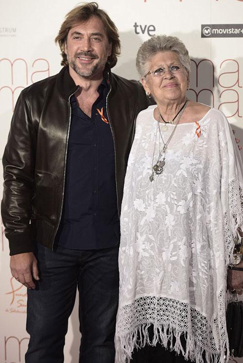 Javier Bardem y su madre, Pilar. © Gtres