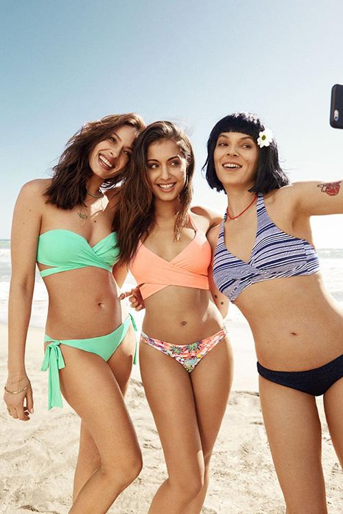 Eva González, Hiba Abouk y Bimba Bosé protagonizaron esta campaña de Women'secret de bañadores especiales para mujeres que han sufrido cáncer de mama. Foto: © Women'secret