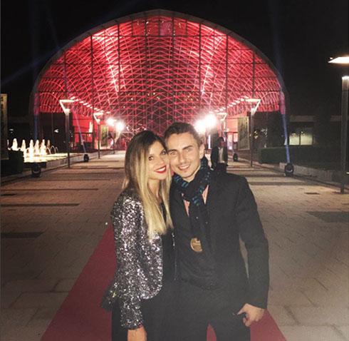 Jorge Lorenzo, campeón del mundo, junto a su novia, la actriz Nuria Tomás