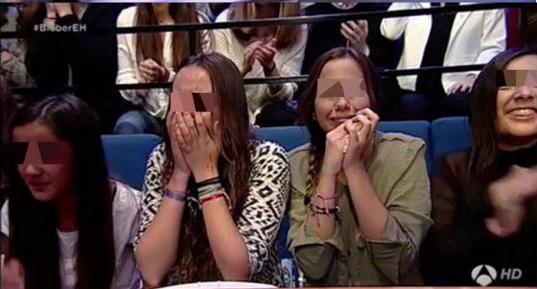 Andrea Janeiro con su hermana Julia, a lágrima viva delante de su ídolo en el programa de Pablo Motos