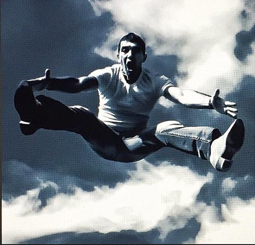 Antonio Banderas. Salto al vacío. Foto: IG ©antoniobanderasoficial