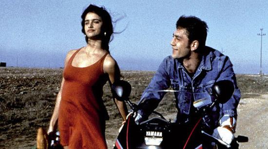 Penélope Cruz y Javier Bardem en Jamón, jamón, la película de Bigas Luna en la que se conocieron allá por 1992.