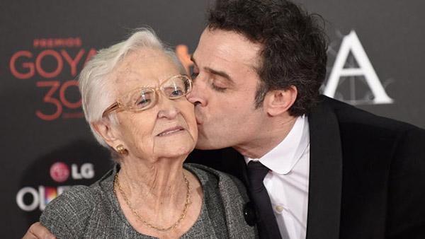 Daniel Guzman y su abuela