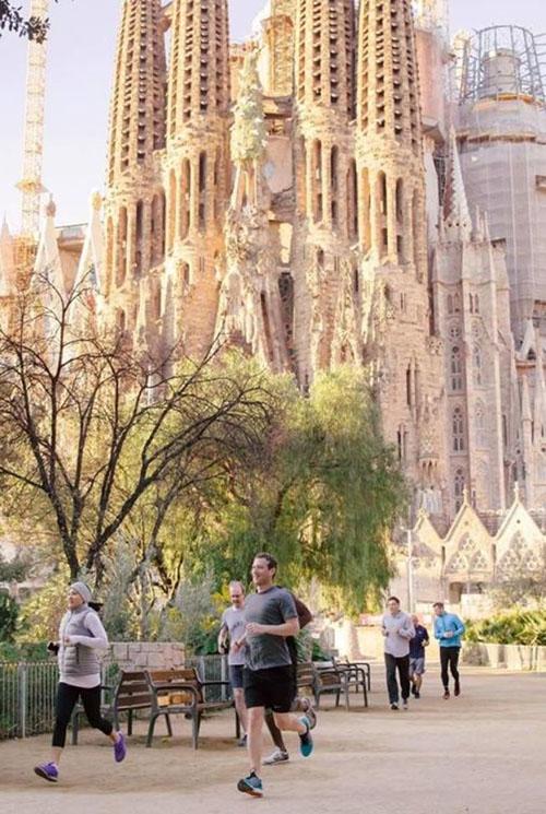 Running junto a la Sagrada Familia