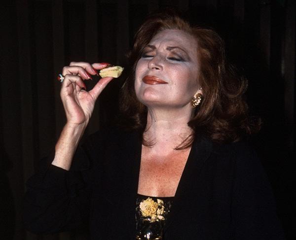 Rocío Jurado, en 1998, de celebración. © Gtres