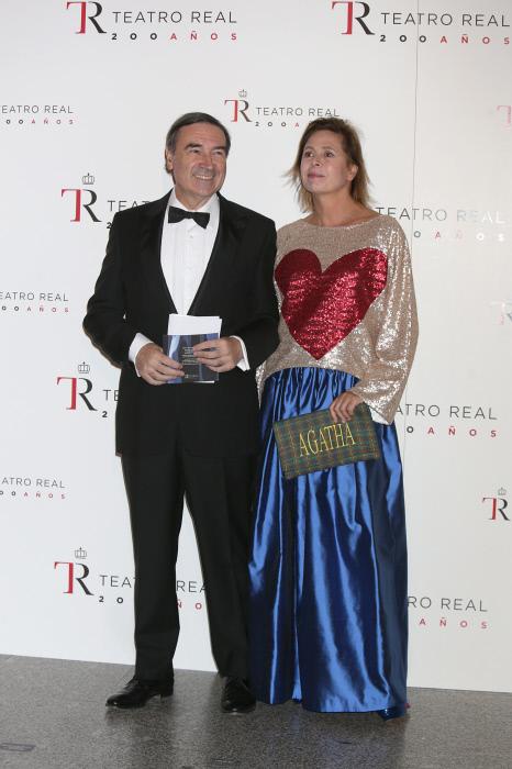 Agatha Ruíz de la Prada y Pedro J. Ramírez en una de sus últimas apariciones juntos en el Teatro Real de Madrid el pasado 15 de septiembre