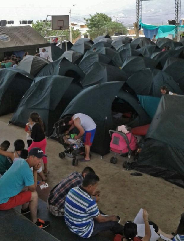 Miles de personas han llegado a las ciudades fronterizas. Unas 3.000 se han instalado en una veintena de refugios temporales. Foto MSF.