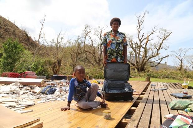 Ciclón Winston: la maleta que salvó a su bebé