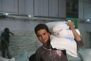 UNICEF/2016/Syria Descargue de provisiones en Madaya