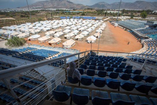Más de 3.500 personas, de mayoría afgana, han estado viviendo durante meses en tiendas en la antigua terminal del aeropuerto o en dos estadios olímpicos abandonados. Pierre-Yves Bernard/MSF.
