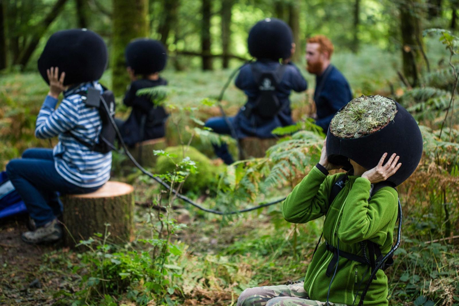 Espectadores con el casco de realidad virtual de 'In the Eyes of the Animals' - Marshmallow Laser Feast