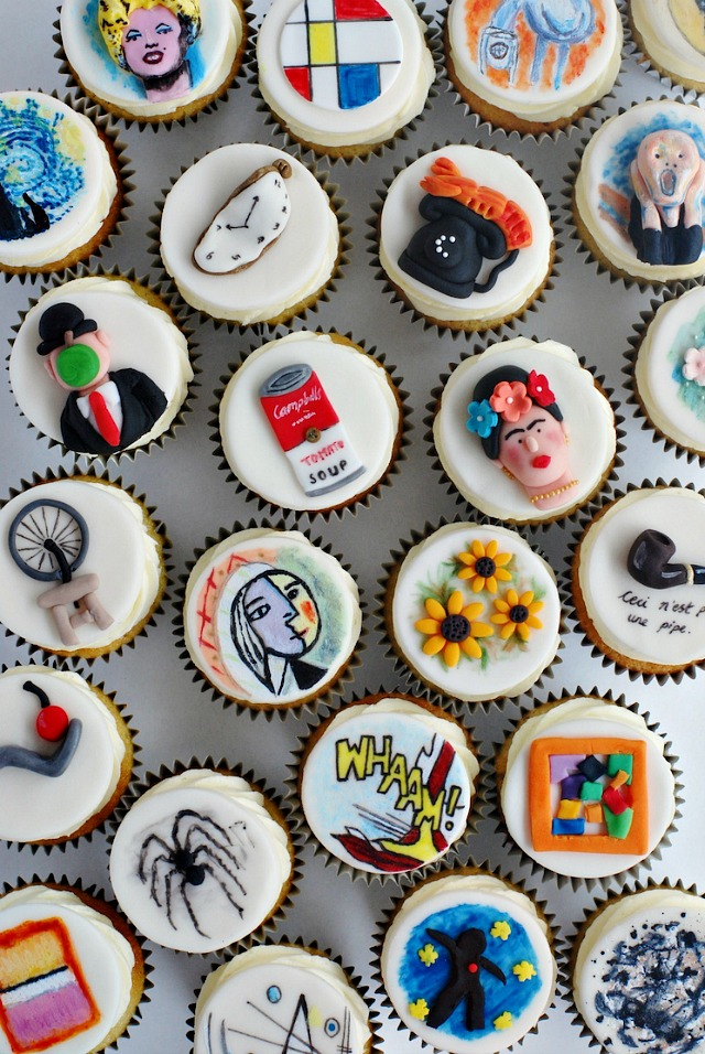 Varios cuadros reproducidos en pasta de azúcar sobre 'muffins' - Nicole Dodds