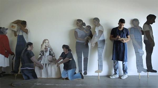 Figuras de cartón del artista Ramiro Gomez Jr.
