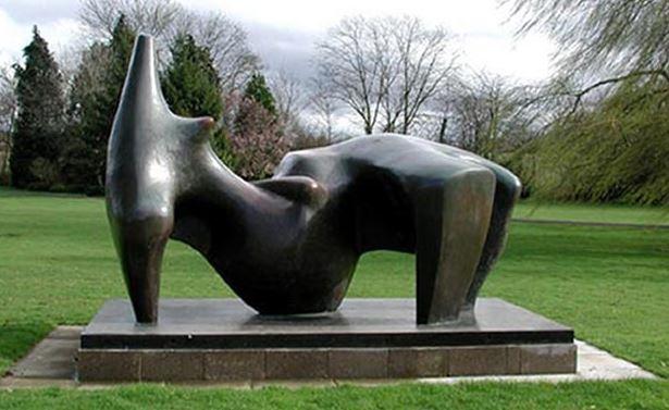Reclining Figure, Henry Moore, 1969, Hertfordshire © Hertfordshire Constabulary/PA