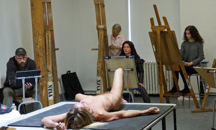 Iggy Pop posa desnudo - Foto: Elena Olivo: Brooklyn Museum