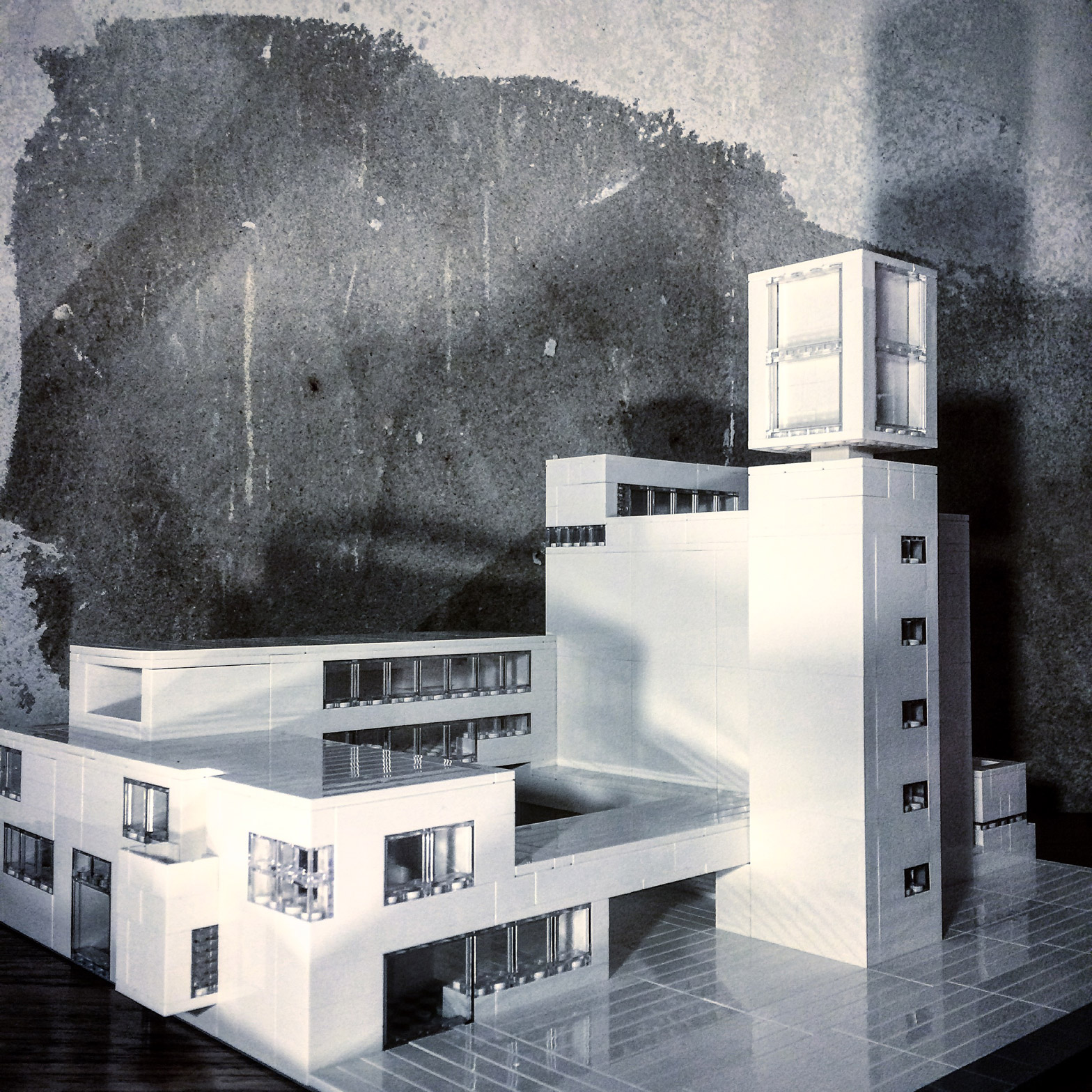 Iglesia de Santa Inés, en Berlín, diseño de Werner Düttmann - Arndt Schlaudraff