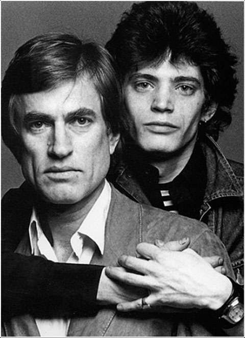 Wagstaff y Mapplethorpe en una foto promocional de 'Black White + Gray' © Francesco Scavullo Editions