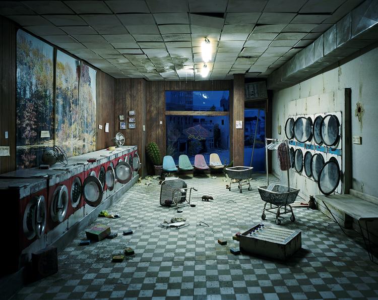 'Laundromat at Night' - Nix + Berger - Foto: Lori Nix (lorinix.net)