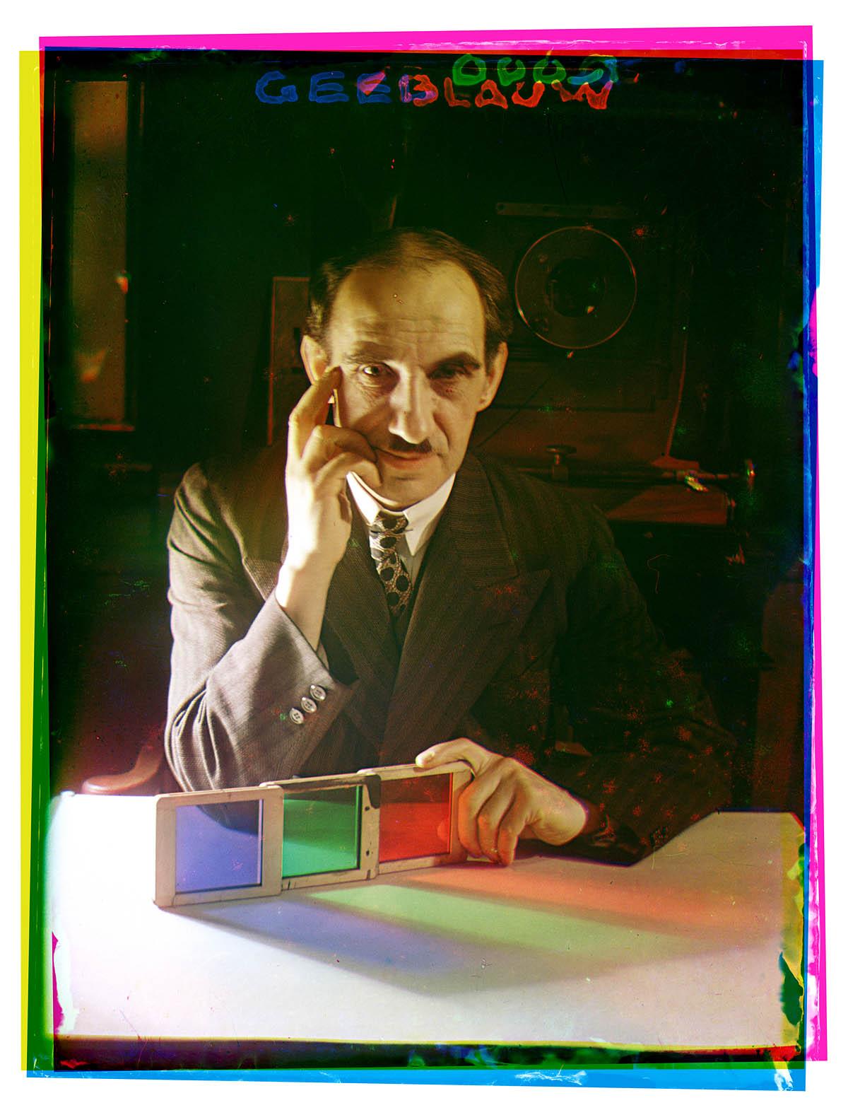 Autorretrato de Bernard Eliers con los tres filtros de color. Entre 1934 y 1936 - Todas las fotos: Bernard Eliers, Archivos Municipales de Ámsterdam