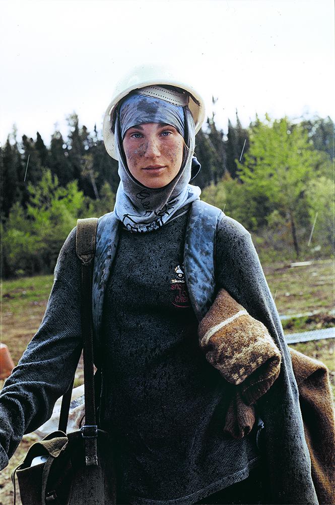 """Sarah Anne Johnson (1976), """"Nadine"""", De la série """"Tree Planting"""", 2003 - MBAM"""