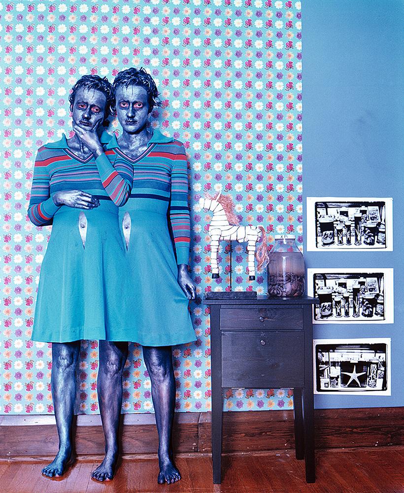 """Janieta Eyre (1966), """"Les sœurs Sophie et Sarah"""" - De la série """"Motherhod"""", 2001 - MBAM"""