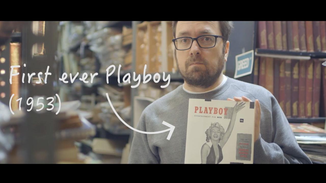 Hyman con el primer ejemplar de 'Playboy'