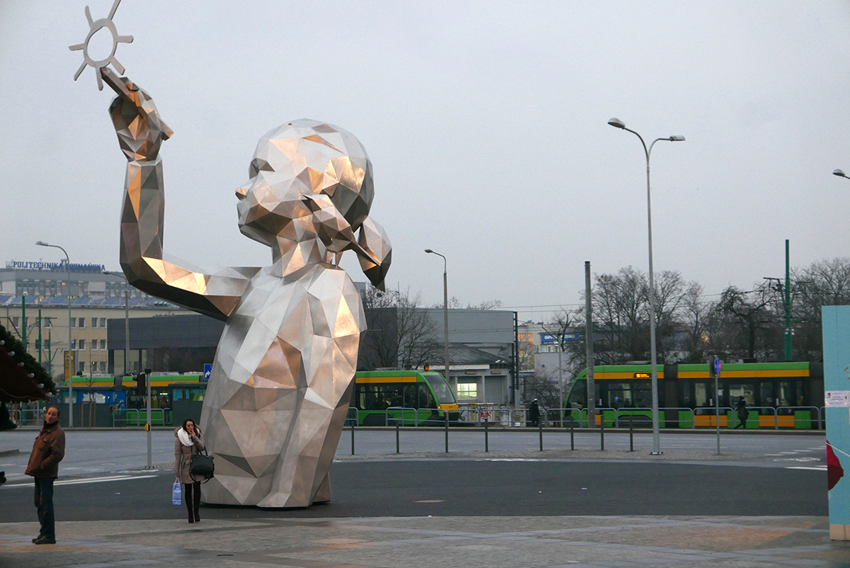 'Lucie', escultura monumental de David Mesguich en Poznan, Polonia - Foto: David Mesguich