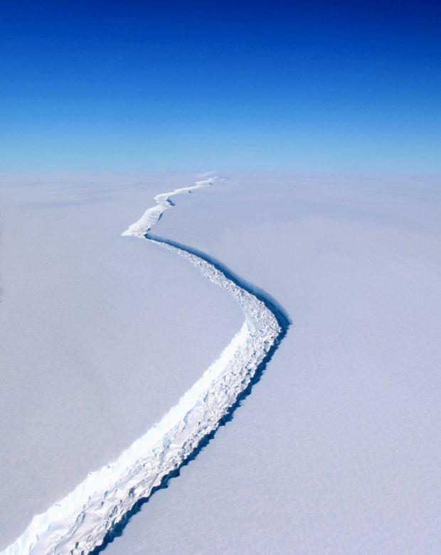 La grieta del Larsen C, Antàrtida © NASA/John Sonntag