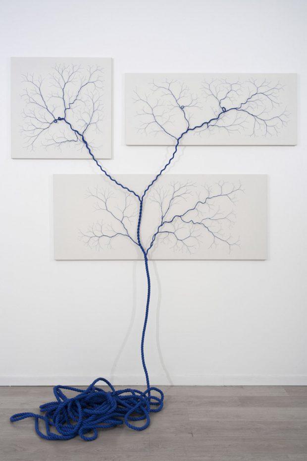 Ciclotrama 26 (impregnación). 20m de cuerda de Nylon azul, diametro 15mm. ©Janaina Mello Landini