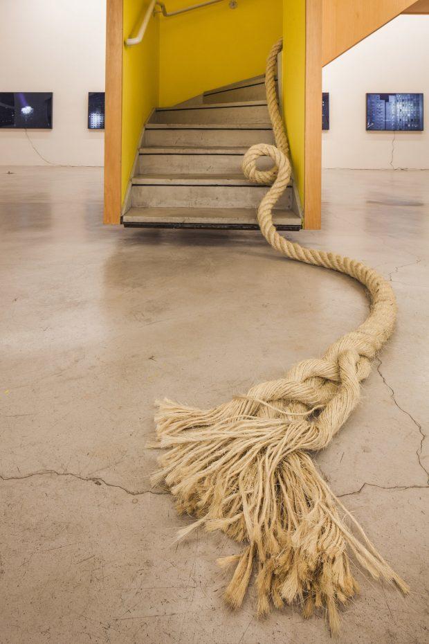 Ciclotrama 20 (onda) 270cm (altura) x 600cm x 400cm. Zipper Galeria - SP Foto: Gui Gomes. ©Janaina Mello Landini