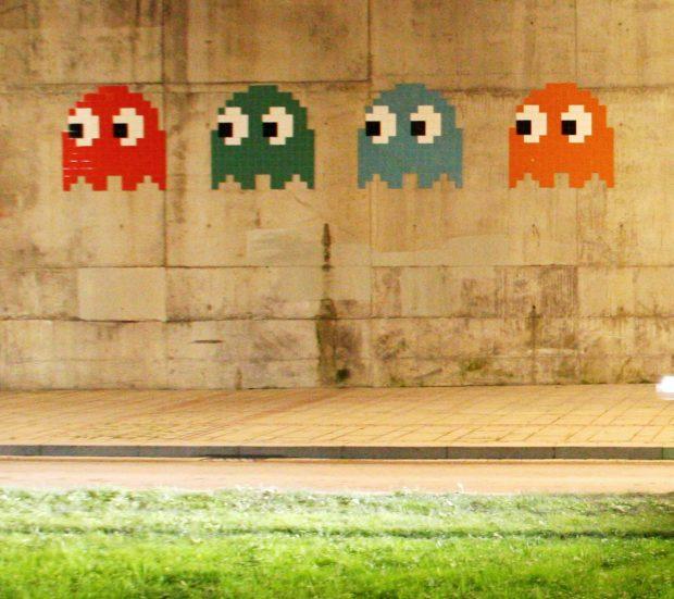 Pacman de Invader cerca del Guggenheim. Kurtxio. Wikimedia Commons.