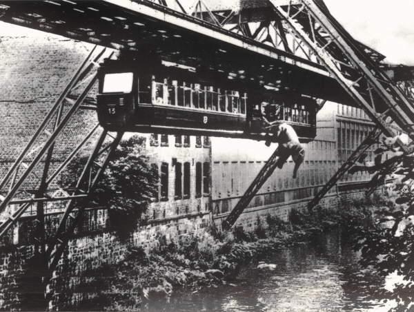 Fotomontaje del salto de Tuffi.