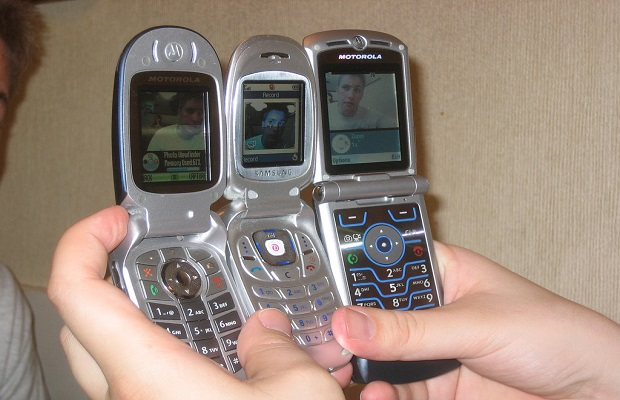 El curioso origen de los teléfonos móviles con cámara