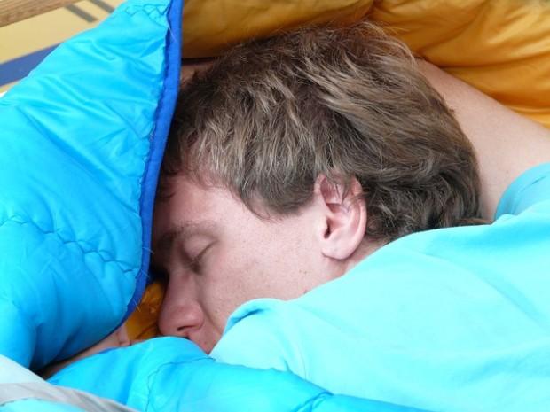 ¿Dormir más durante el fin de semana ayuda a recuperar las horas de sueño perdido?