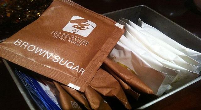 El curioso origen de los sobres de azúcar