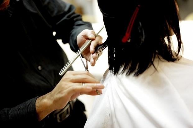 ¿Por qué nos hace daño si nos estiran del pelo pero no duele cuando nos lo cortamos?