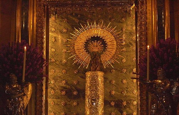 ¿Sabías que la 'Virgen del Pilar' recibe su nombre por la columna sobre la que está colocada?