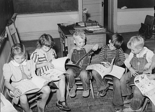 ¿Qué libro está considerado como el primero de la Historia dedicado exclusivamente para niños?