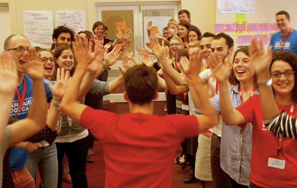 El día que se popularizó la acción de chocar los cinco [Give me five!]