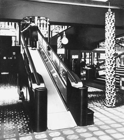 El día que en los Almacenes Harrods instalaron sus primeras escaleras mecánicas