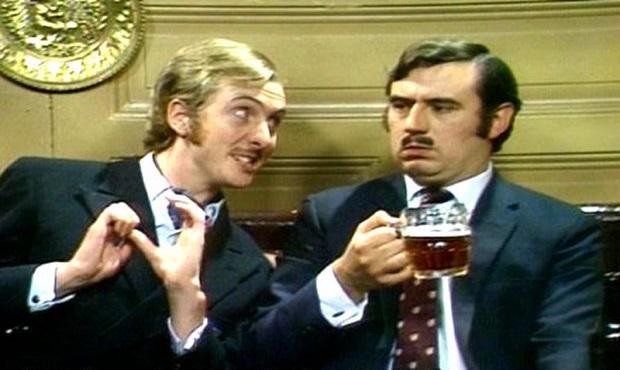 La curiosa felicitación de cumpleaños de Eric Idle (Monty Python) al Primer Ministro John Major [Anécdota]