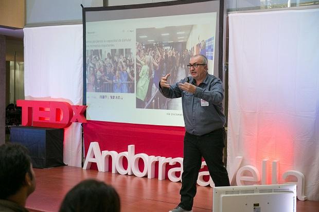 'Las líneas rojas de la sociabilidad' charla en #TEDx en Andorra la Vella
