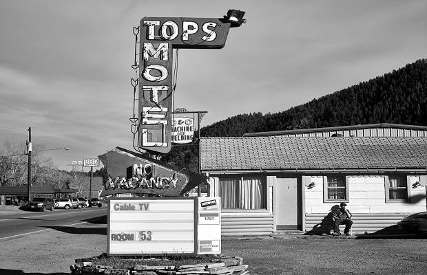 ¿Por qué los hoteles de carretera son comúnmente conocidos con el nombre de 'motel'?