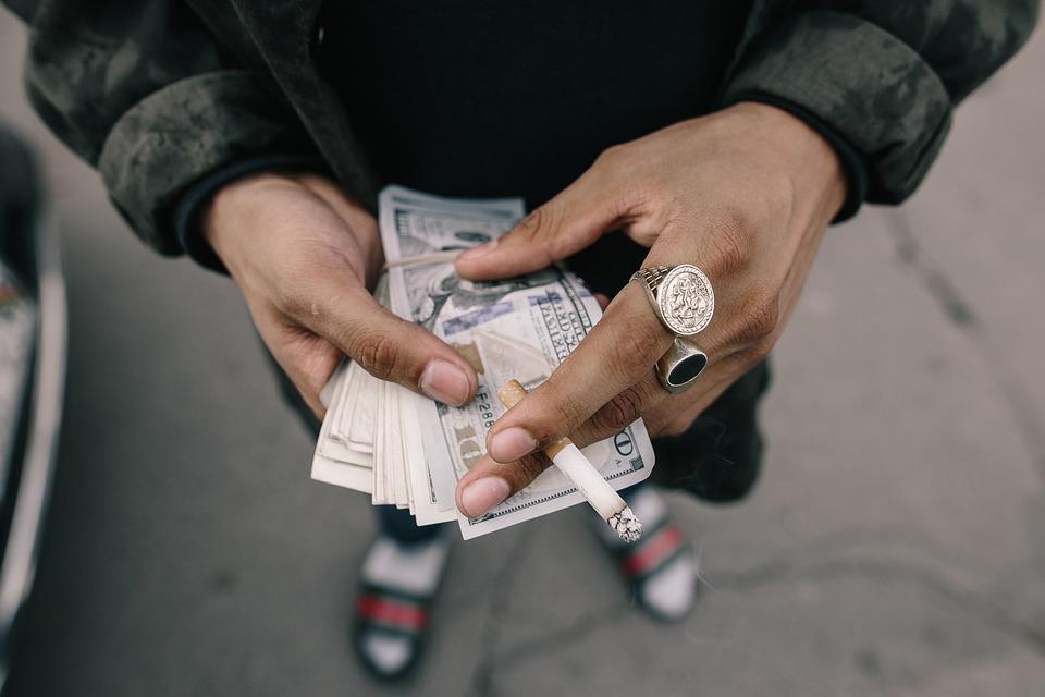 ¿Sabías que solemos utilizar incorrectamente el término 'Dinero negro'?