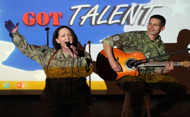 ¿De dónde proviene el término 'talento' para referirnos a tener aptitud para una actividad?
