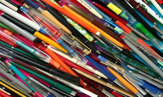 ¿Por qué en algunos países al bolígrafo se le llama birome?