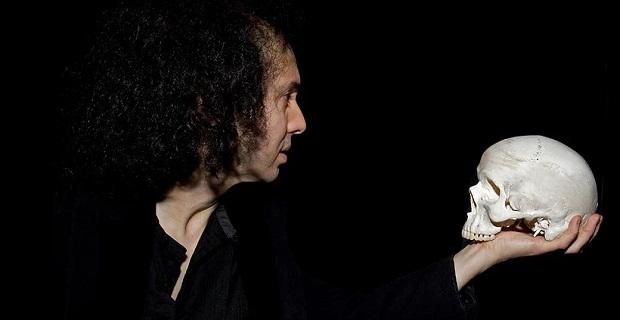 ¿Sabías que en la escena del monólogo 'Ser o no ser' Hamlet no aparece con una calavera en la mano?